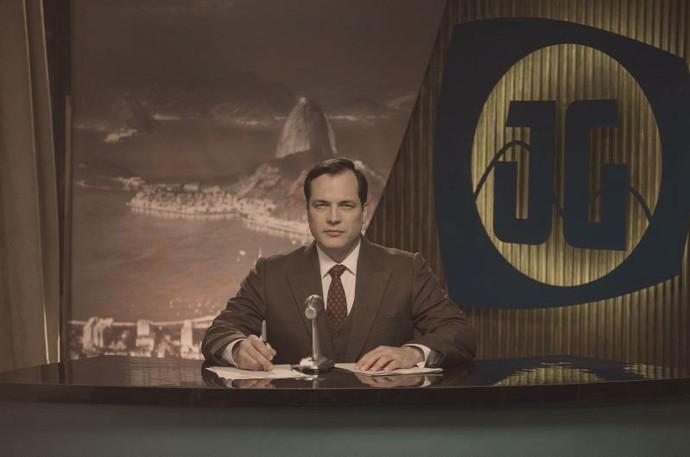 Daniel Boaventura é Carvalho Rocha, apresentador da Rádio e TV Guanabara. (Foto: Globo/Estevam Avellar)
