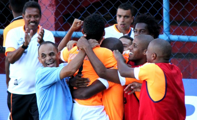Nova Iguaçu vence o Bonsucesso, técnico Edson Souza (Foto: Bernardo Gleizer/NIFC)