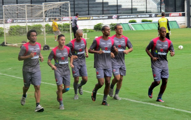 jogadores no treino do Vasco (Foto: André Casado / Globoesporte.com)