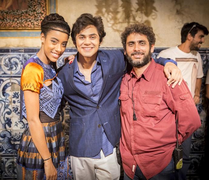 Yara Charry, Lucas Veloso e o diretor de fotografia Alexandre Fructuoso são só sorrisos (Foto: Felipe Monteiro/Gshow)