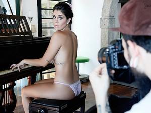 Making of Bella posa para o Paparazzo (Foto: Alexandre Campbell / Paparazzo)