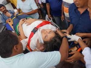 Ferida foi encaminhada em estado grave para Teresina (Foto: Misael Lima/MPiauí.com)