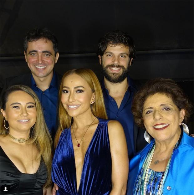Sabrina Sato, Duda Nagle, Felipe Abreu, Leda Nagle e Karina Sato Rahal Abreu (Foto: Reprodução / Instagram)