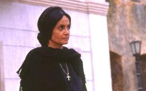 Perpétua (Joana Fomm) foi a responsável pela expulsão de sua irmã mais nova da cidade