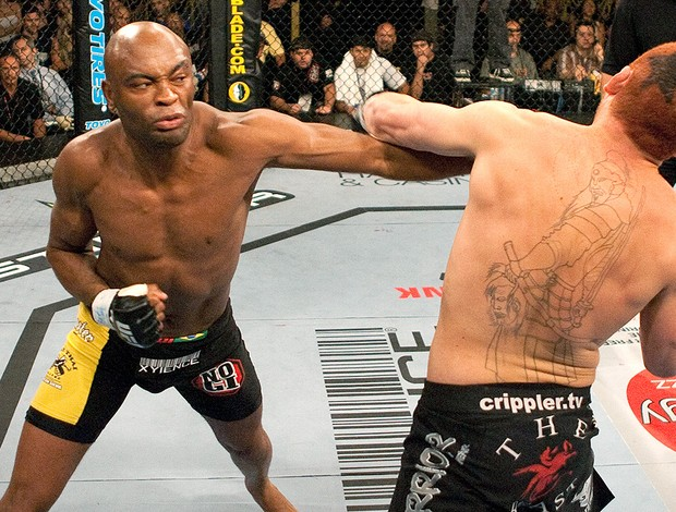 Anderson Silva na luta do UFC contra Chris Leben em 2006 (Foto: Getty Images)