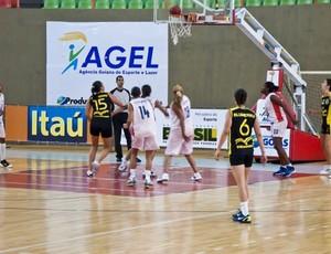 Final do basquete feminino pela LDU de Quadras 2012 estudantil (Foto: Divulgação/CBDU)