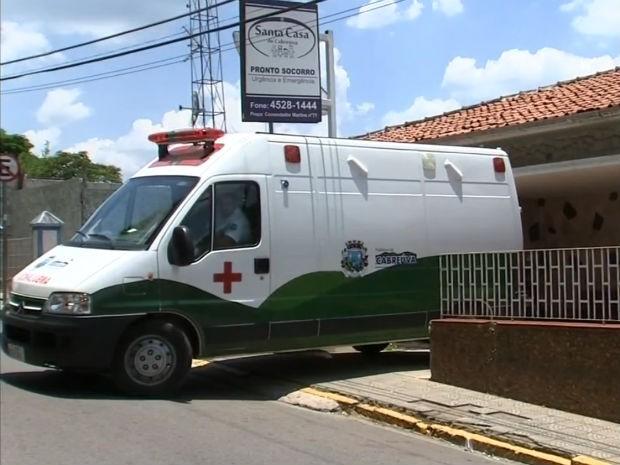Posto foi aberto ao lado da Santa Casa para atender pacientes em Cabreúva (Foto: Reprodução / TV Tem)