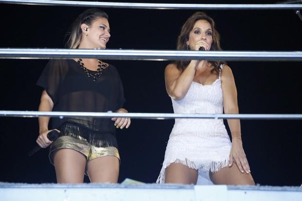 Maysa Reis e Ivete Sangalo canta em micareta em Aracajú (Foto: Roberto Filho/ Ag. News)