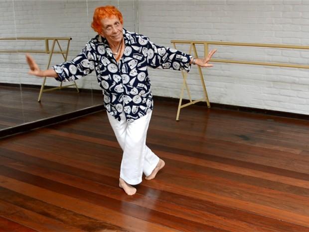 Com 86 anos, dona Regina ensinou balé clássico por mais de 60 anos (Foto: Samantha Silva / G1)