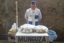 Treinador de goleiros vende mingau para sobreviver (Arquivo Pessoal)