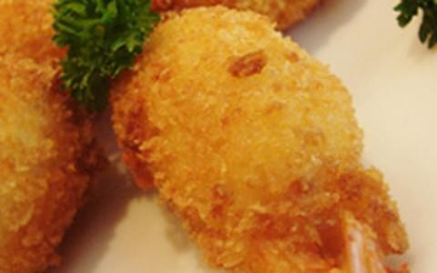 Espetinho de camarão com cream cheese