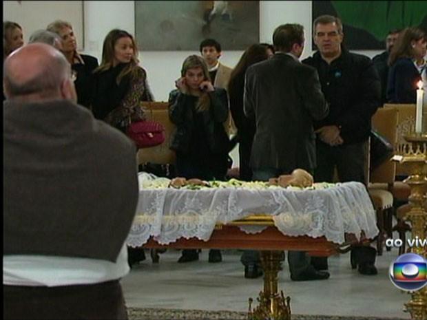 Imagem do velório da apresentadora Hebe Camargo, no Palácio dos Bandeirantes, sede do governo do Estado de São Paulo (Foto: Reprodução/TV Globo)
