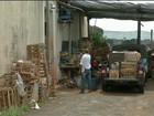 Comerciantes são amarrados com fios elétricos durante roubo em Avaré