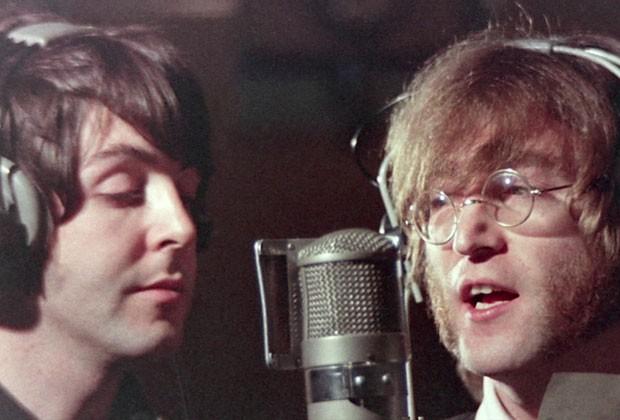 A obra traz imagens que vão desde cenas da infância do baterista, na década de 40, até cenas dos Beatles excursionando ou realizando gravações. (Foto: BBC)