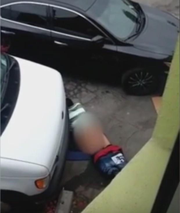 Homem chocou funcionários ao fazer sexo com 'rua' na Nova Zelândia (Foto: Reprodução/YouTube/Rt News)