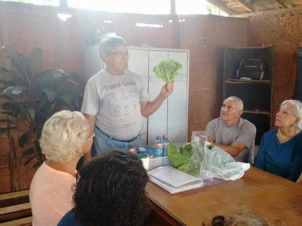 Cerca de 50 alunos aprenderam através de aulas práticas ministradas por técnicos agrícolas (Foto: Divulgação)