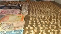 Dupla é presa com cerca de mil pedras de crack (Polícia Militar de Formiga/Divulgação)