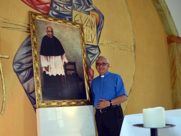 Dom Diamantino, bispo de Campanha: Padre Victor superou tudo com muita dignidade. (Foto: Samantha Silva / G1)