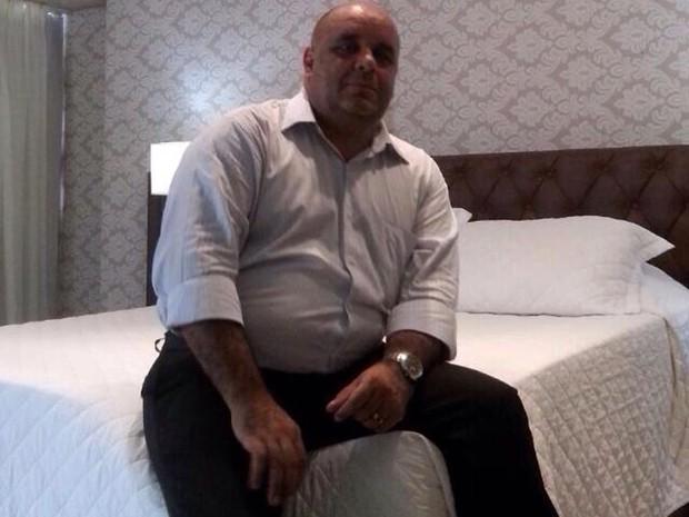 Polícia divulgou foto uma foto do suspeito (Foto: Divulgação/Polícia Civil)
