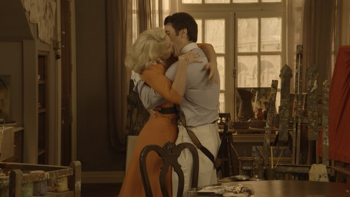 O que Ernesto e Sandra querem mesmo, é ficar juntos, longe dos olhos de Anastácia (Foto: TV Globo)