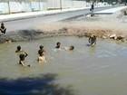 Buraco de obra parada onde crianças tomavam banho recebe drenagem
