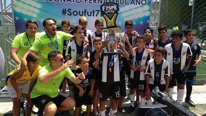 Santos Zona Norte foi o campeão da categoria sub-13 (Foto: Divulgação / Federação Society PE)