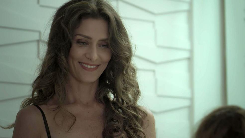 Bem, Joyce está satisfeitíssima (Foto: TV Globo)