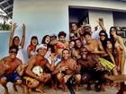 Caio Castro comemora aniversário com Maria Casadevall e amigos