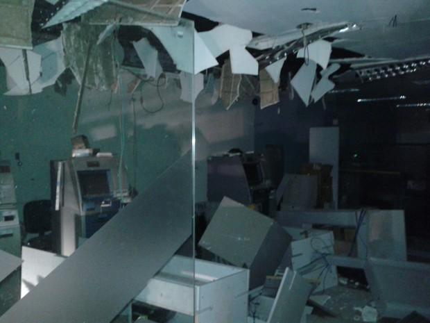 Pela segunda vez no ano, bandidos atacam bancos de Paraibano  (Foto: Divulgação/Polícia)