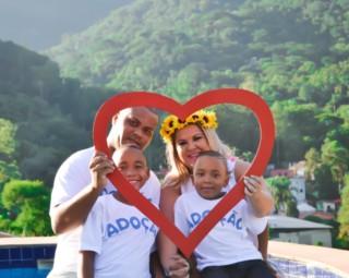 Bia Peace fotografou pais à espera da adoção (Foto: Bia Peace/ Divulgação Foco Comunicação)