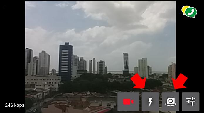 Mude de câmera e ligue o flash durante uma transmissão (Foto: Reprodução/Paulo Alves)