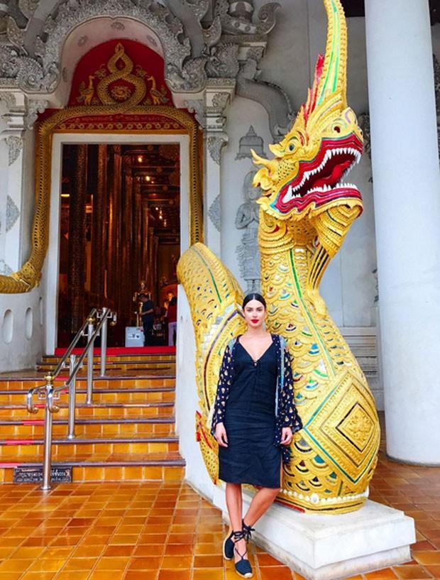 Thaila Ayala na Tailândia  (Foto: Reprodução)