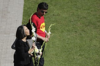 Florinda Meza no velório de Bolaños (Foto: Agência Reuters)
