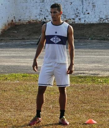 João Carlos, zagueiro do Atlético-AC  (Foto: Duaine Rodrigues)