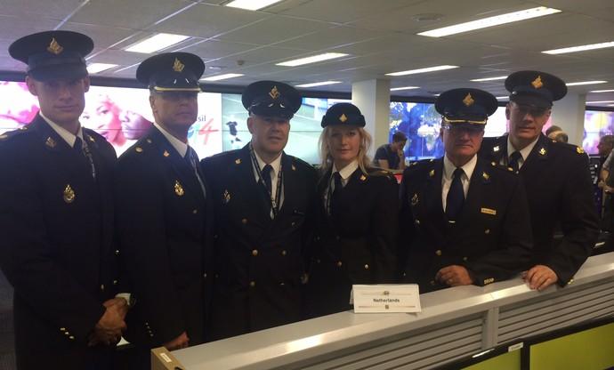 policiais estrangeiros segurança Copa do Mundo (holanda) (Foto: Fabrício Marques)