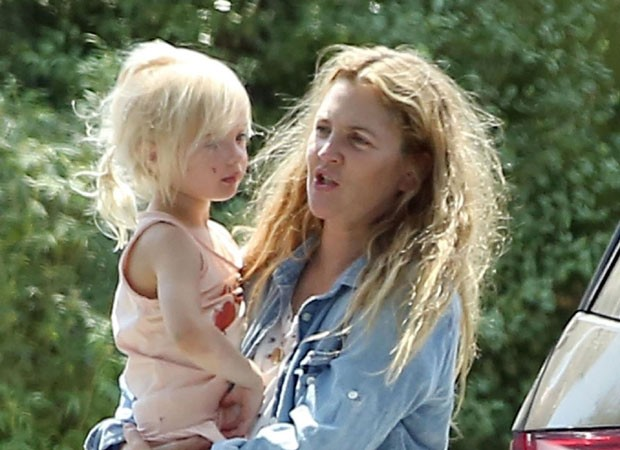 Drew Barrymore e a filha Frankie (Foto: The Grosby Group)