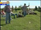 Família aguarda corpos de irmãos mortos em conflito com indígenas