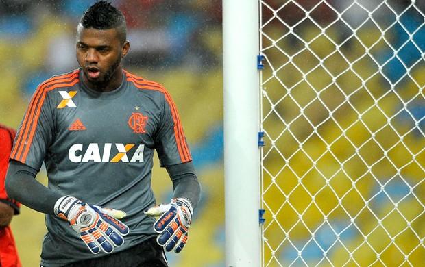 Felipe Flamengo e Vitória (Foto: Dhavid Normando / Futura Press)