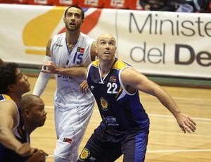 Ed Nelson São José Basquete x Bucaneros (Foto: Samuel Velez/ Divulgação Fiba)
