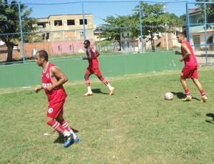 GEL está treinando no campo da Associção de Carapina, na Serra (Foto: Wangleson Silva)