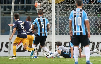 """Grêmio admite má atuação, mas evita jogar a toalha: """"Nada está perdido"""""""