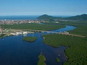Rio Itapanhaú, em Bertioga (Foto: Divulgação)