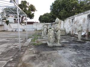 Espaço onde seria erguida a sede do Instituto Abelardo da Hora deve ser vendido (Foto: Vitor Tavares / G1)