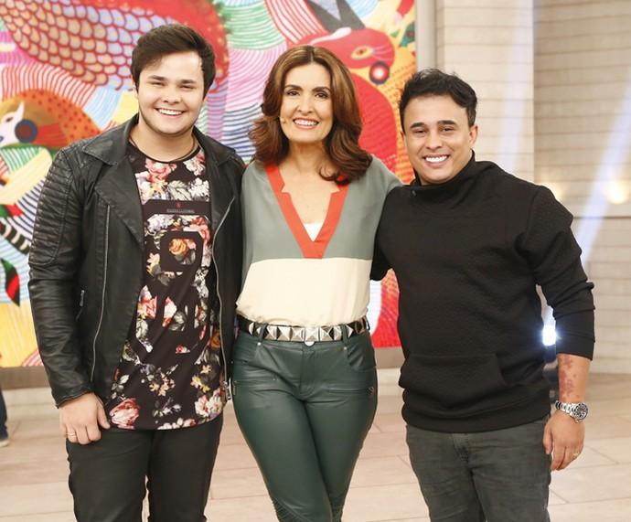 Matheus e Kauan cantaram sucessos no programa (Foto: Fábio Rocha/Gshow)