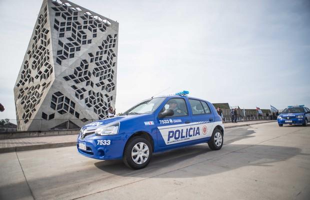 Renault Clio se transforma em viatura de polícia na Argentina (Foto: Divulgação)