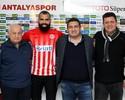 Sandro aceita oferta e antecipa saída do QPR para Antalyaspor, da Turquia
