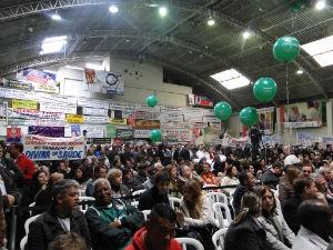 Fruet oficializa candidatura durante convenção em Curitiba (Foto: Aline Lamas/G1)