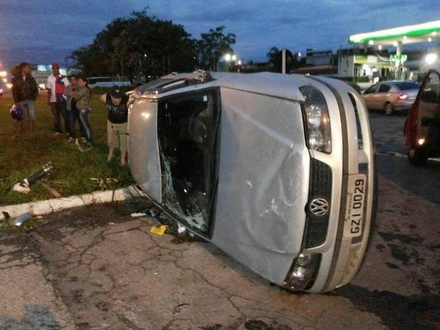 acidente 050 Divinópolis (Foto: Cleber Corrêa/G1)