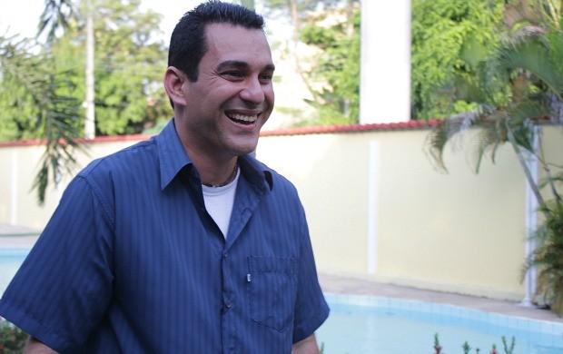 Victor Litaiff conversou com a equipe do site da Rede Amazônica (Foto: Katiúscia Monteiro/ Rede Amazônica)