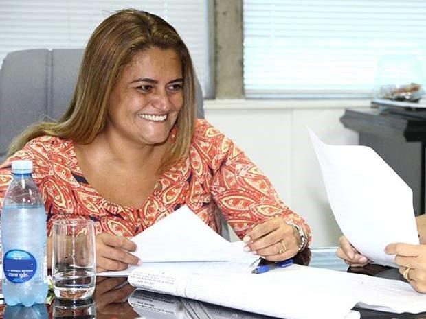 Prefeita Ana Preto se defendeu após ter sido condenada pelo Ministério Público (Foto: Prefeitura de Peruíbe / Divulgação)